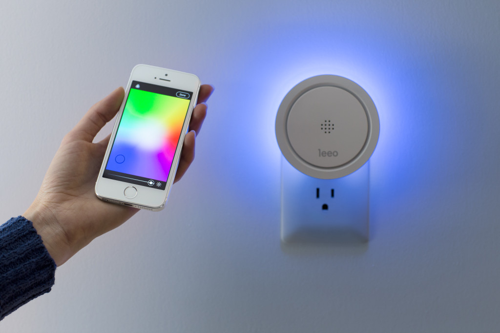 The Leeo night-light. One of the new devices that will work with Comcast's Xfinity Home (credit: Leeo).